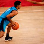 Баскетболист готовится к броску —звуки баскетбола