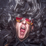 Музыкант смеется — смешные звуки для монтажа