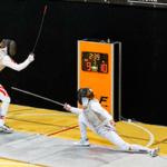 Два спортсмена фехтуют — звуки фехтования