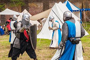 Рыцари сражаются на мечах — иллюстрация к записи «Звук мечей скачать»