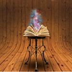 Из раскрытой книги поднимается искрящийся свет — иллюстрация к публикации «Скачать звук волшебства»